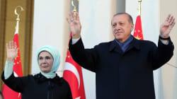Trump felicita a presidente turco tras victoria en referéndum que le otorgará poder