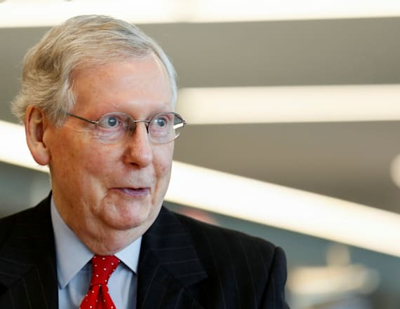Angry diners confront Mitch McConnell in restaurant