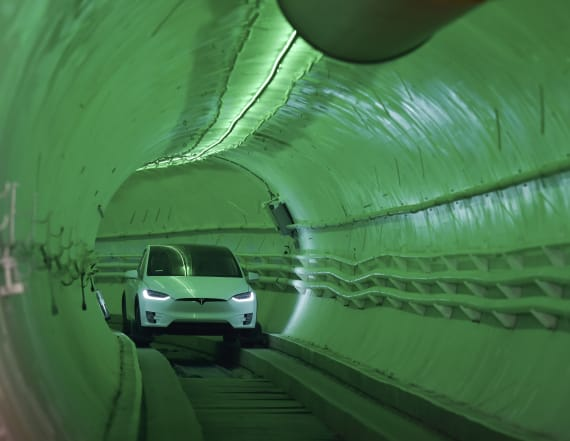 Elon Musk unveils his test car tunnel in Los Angeles