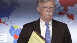 Las notas de John Bolton indican el posible despliegue de tropas de EU en