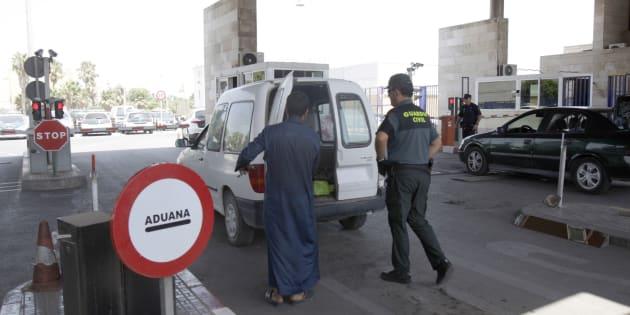 Uno de los controles de la frontera entre España y Marruecos en Melilla, donde un hombre ha irrumpido con un cuchillo esta mañana.