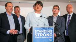 Qu'est-ce que le DUP, ce parti nord-irlandais sulfureux indispensable à May pour