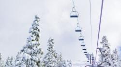 140 skieurs coincés dans un télésiège de la station Camp