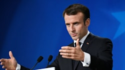 Macron dénonce les