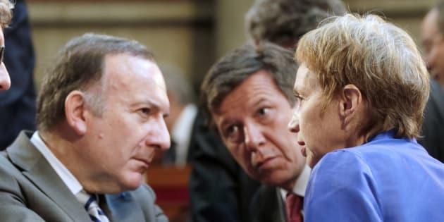Laurence Parisot accuse Pierre Gattaz de faire le jeu du FN en acceptant de recevoir Marine Le Pen