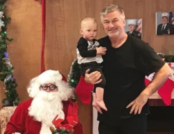 Alec Baldwin's family hilariously fails at Santa pic