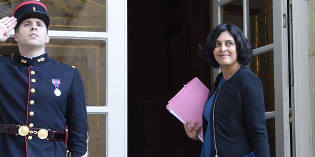 La ministre du Travail, Myriam El Khomri arrivée à l'Hôtel Matignon le 9 décembre 2015 pour présenter son rapport sur le Compte personnel d'activité.