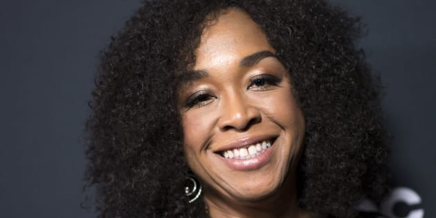 Shonda Rhimes, roteirista e produtora de séries como Grey's Anatomy, Scandal, How To Get Away With Murder e Private Practice.