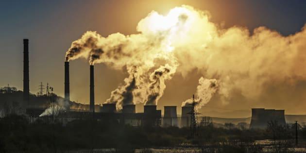 Le gouvernement Trudeau veutréduire les émissions de gaz à effet de serre de 30 pour centd'ici 2030 par rapport au niveau de 2005.