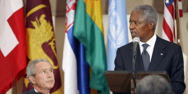 George W. Bush et Kofi Annan lors d'un déjeuner à l'ONU, en septembre 2006