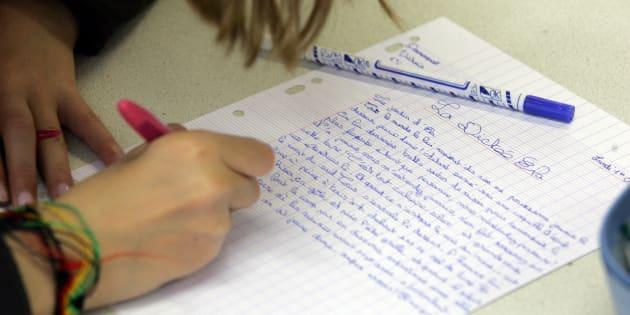 Deux ans après NVB, Blanquer veut une dictée par jour à l'école.