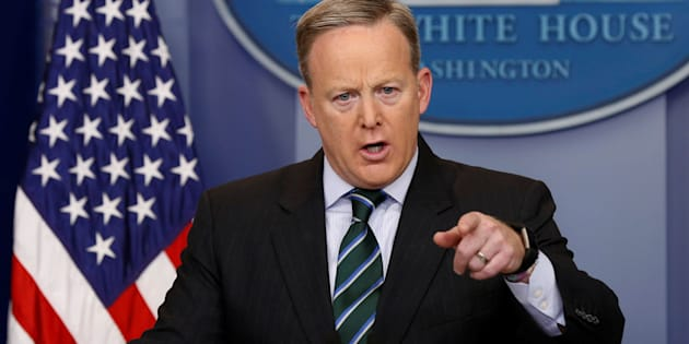 White House spokesman Sean Spicer holds a press briefing at the White House in Washington, U.S., January 25, 2017.  REUTERS/Kevin Lamarque