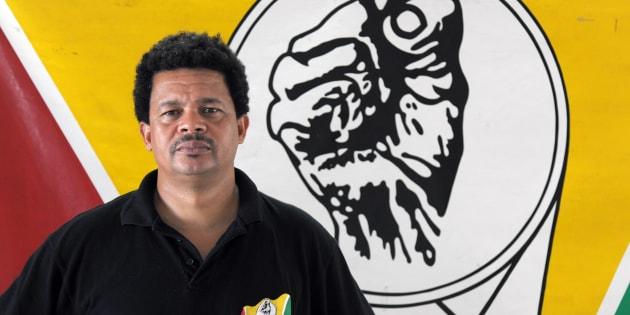 Le leader indépendantiste guadeloupéen Elie Domata apporte son soutien aux grévistes de Guyane.