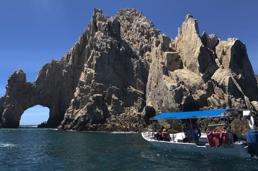 """Imagen del """"arco"""" en el Cabo San Lucas, una de las principales atracciones turísticas de Baja California Sur."""