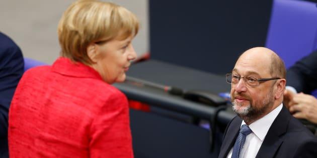 Vers une sortie de crise en Allemagne? Les sociaux démocrates finalement prêts à s'allier avec Merkel