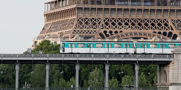 Les transports en commun gratuits à Paris? Anne Hidalgo y réfléchit.