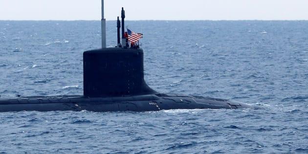 Sottomarino nucleare Usa al porto di Napoli. Ira De Magistris. Cos'è successo