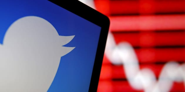 Twitter shares fall 17 percent on disappointing user numbers
