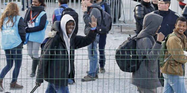 "Des migrants quittant la ""Jungle"" de Calais le 2 novembre 2016."