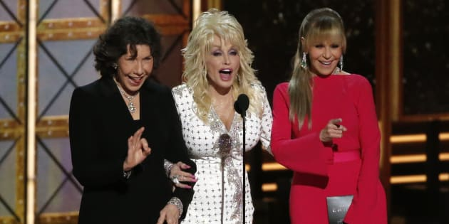 Lily Tomlin, Dolly Parton and Jane Fonda present the award for Outstanding Supporting Actor in a Limited Series or a Movie at the 69th Primetime Emmy Awards, September 17, 2017. (REUTERS/Mario Anzuoni)
