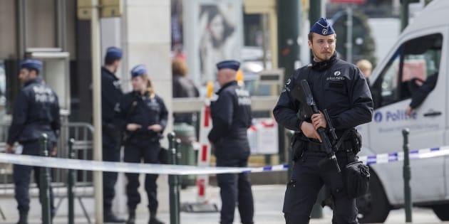 Un policier à Bruxelles, en avril (photo d'illustration).