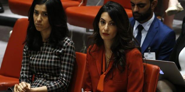La abogada Amal Clooney (derecha) y la activista yazidí Nadia Murad, durante la sesión del Consejo de Seguridad de la ONU de ayer en el que se aprobó la resolución.