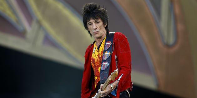 Ronnie Wood, le guitariste des Rolling Stones, révèle avoir eu un cancer du poumon (Photo: Ronnie Wood en concert en Suisse en 2014)