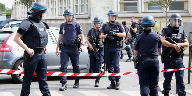 Pourquoi le terrorismea-t-il si peu été abordé pendant le débat de la présidentielle? REUTERS/Charles Platiau
