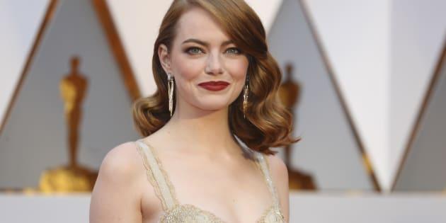 Emma Stone sur le tapis rouge des Oscars 2017.