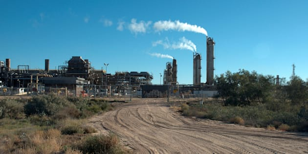 The Santos-operated Moomba gas plant is seen outside Moomba, South Australia May 17, 2012.