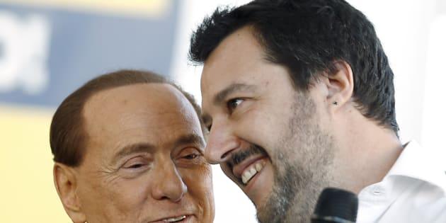 """Dal """"3% non esiste"""" alla moneta unica """"esperimento sbagliato"""". Salvini candida i No Euro e rompe l"""