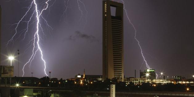 Tormenta eléctrica en Monterrey.