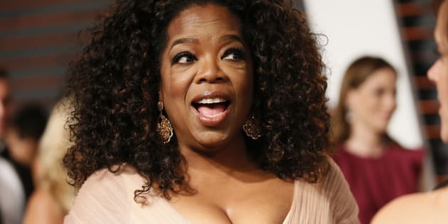 Oprah Winfrey arrives at the 2015 Vanity Fair Oscar Party in Beverly Hills, California, U.S. on February 22, 2015.  REUTERS/Danny Moloshok/File Photo