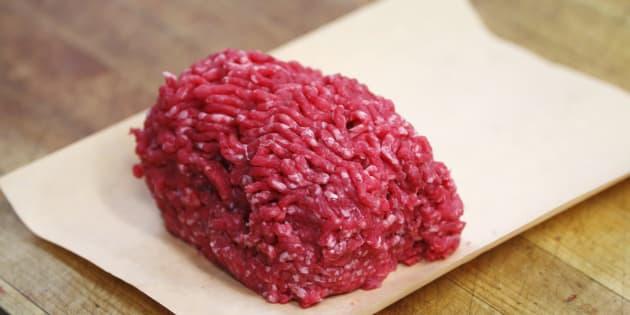 Rappel de lots de viande hachée vendus dans des Leader Price et Casino après la détection d'E.Coli