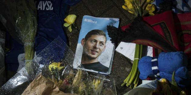 Une photo en hommage à Emiliano Sala au stade de Cardiff.