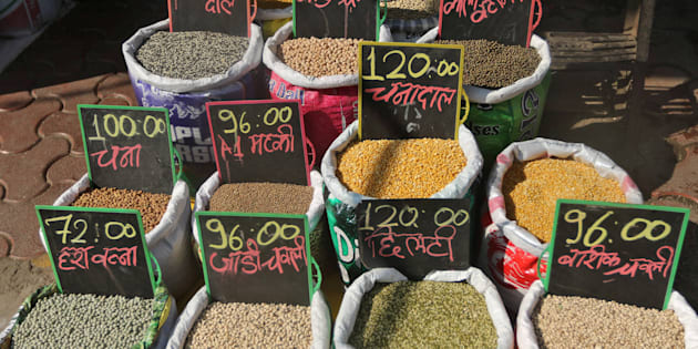 Price tags are seen on the bags of pulses that are kept on display for sale outside a shop at a market in Mumbai, India January 31, 2017. REUTERS/Shailesh Andrade