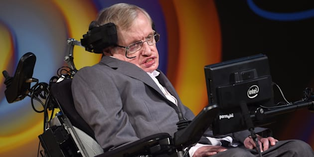 Mort de Stephen Hawking: comment sa vie a contribué à dédramatiser le handicap