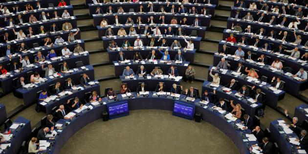 Il Parlamento Europeo ha approvato la controversa direttiva sui diritti d'autore