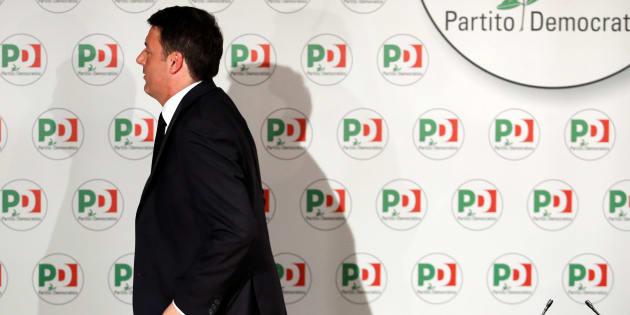 Matteo Renzi quitte la direction du parti démocrate après son camouflet électoral