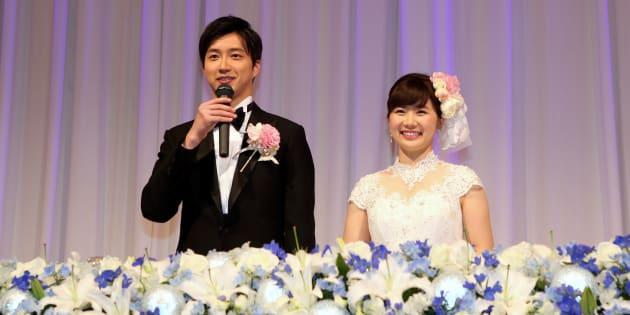 2017年の福原愛さん(右)と江宏傑さん(左)