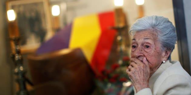 Ascension Mendieta, hija de Timoteo, durante el funeral oficiado en Madrid.