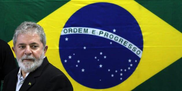 O destino de Lula enseja duas possibilidades de caminho para a sociedade brasileira.