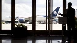 Aprueban ley para que aerolíneas compensen a pasajeros por retraso de