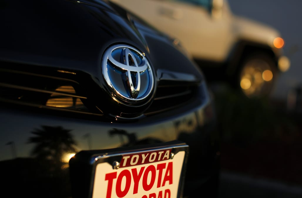 Toyota Recalls 2 4 Million Hybrids Due To Stalling Problems