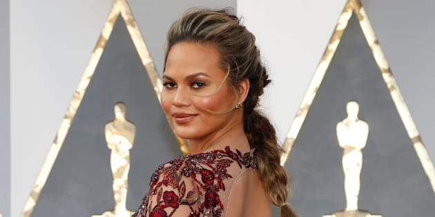 Model Chrissy Teigen arrives at the 88th Academy Awards in Hollywood, California February 28, 2016.  REUTERS/Lucy Nicholson