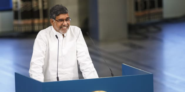 Nobel Peace Prize laureate Kailash Satyarthi delivers a speech during the Nobel Peace Prize awards ceremony at the City Hall in Oslo December 10, 2014. Pakistani teenager Malala Yousafzai, shot by the Taliban for refusing to quit school, and Indian activist Kailash Satyarthi received their Nobel Peace Prizes on Wednesday after two days of celebration honouring their work for children's rights.   REUTERS/Heiko Junge/NTB Scanpix/Pool    (NORWAY  - Tags: SOCIETY CIVIL UNREST) NORWAY OUT. NO COMMERCIAL OR EDITORIAL SALES IN NORWAY.