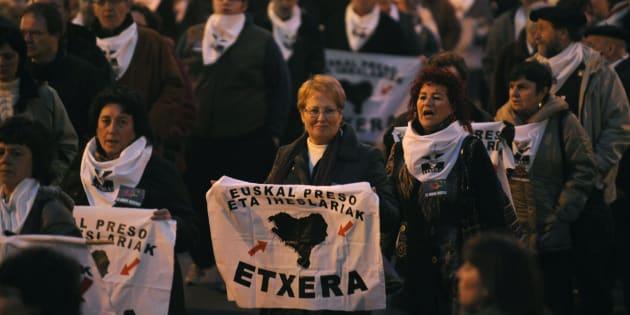 Manifestación a favor del acercamiento de los presos de ETA a Euskadi en Bilbao en 2010.