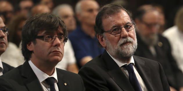 El president catalán, Carles Puigdemont, y el presidente del Gobierno central, Mariano Rajoy, el pasado 20 de agosto en la misa por las víctimas del atentado de Barcelona, en la Sagrada Familia.