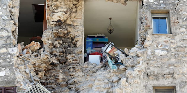 A damaged house is seen following an earthquake in Norcia, Italy, October 30, 2016. REUTERS/Remo Casilli