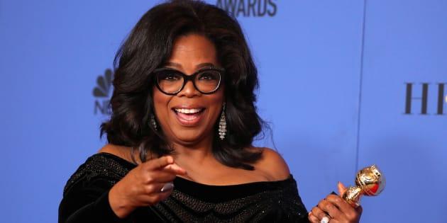"""Apesar da popularidade de uma possível candidatura, Oprah tem sido comparada a Trump por também representar a figura do """"apolítico""""."""